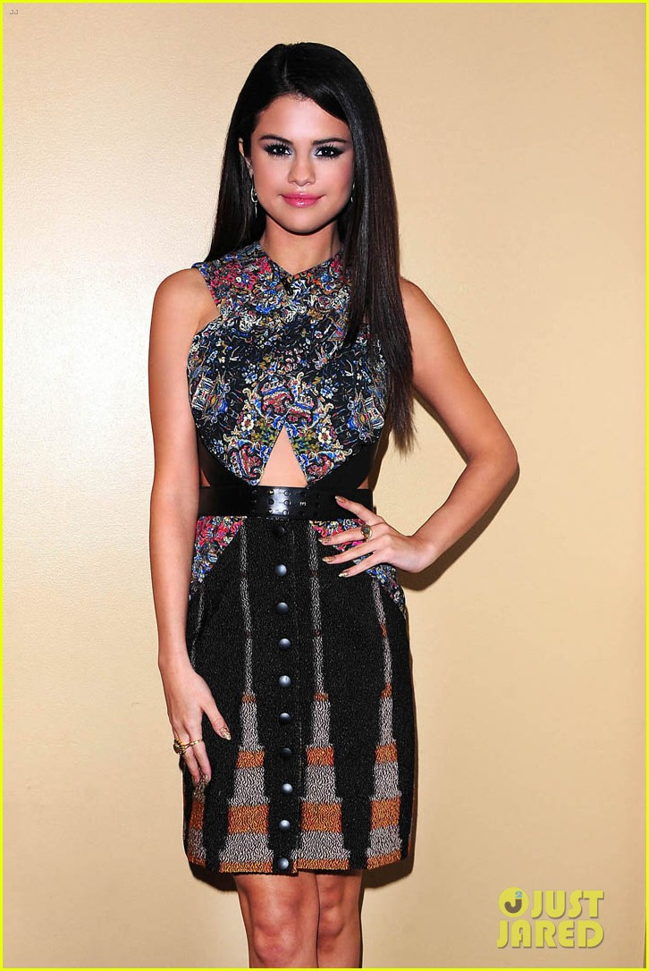 selena gomez ellen performance backstage pics 042851450