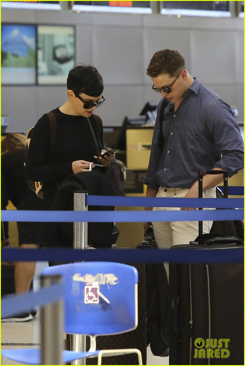 ginnifer goodwin josh dallas lax lovebirds 052856512