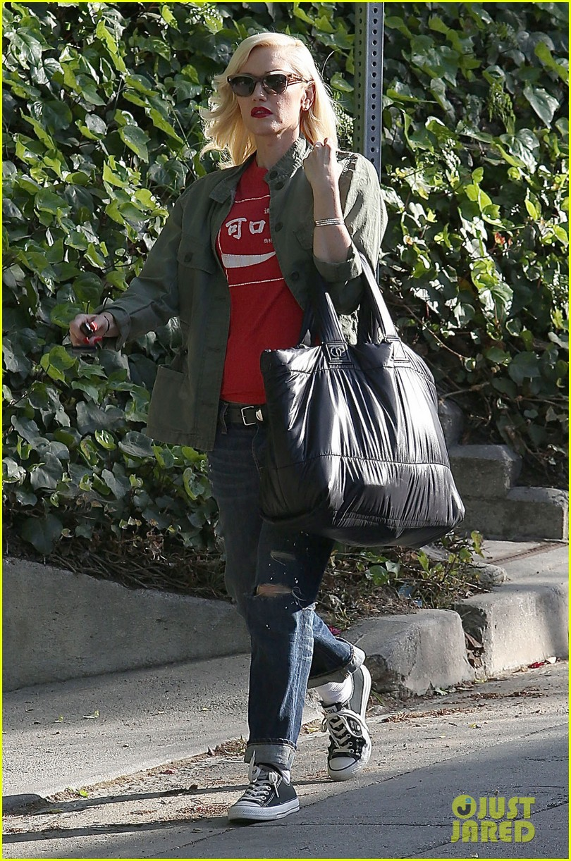gwen stefani tuesday errands in la 01