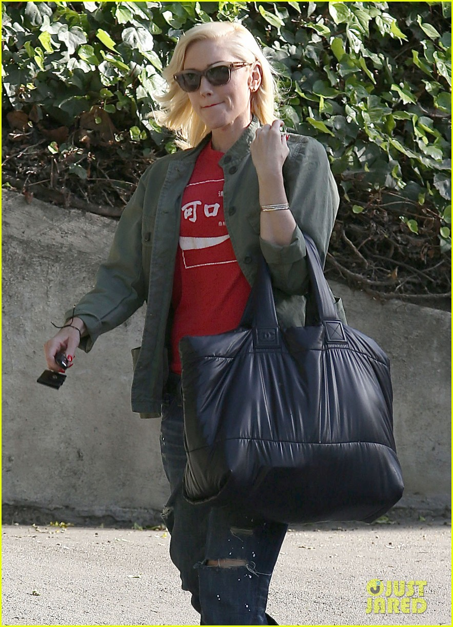 gwen stefani tuesday errands in la 04