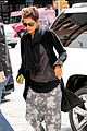 halle berry pregnant shopper in nyc 20