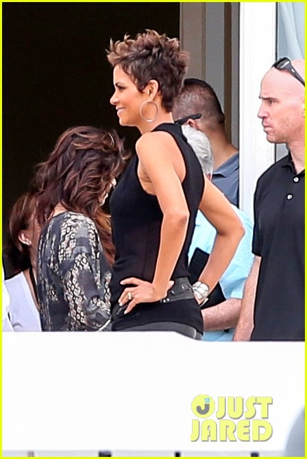 pregnant halle berry call rio photo call 102846910