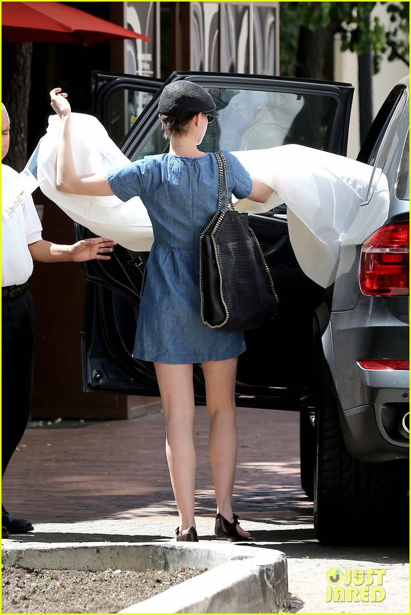 anne hathaway dry cleaning pick up 142852699