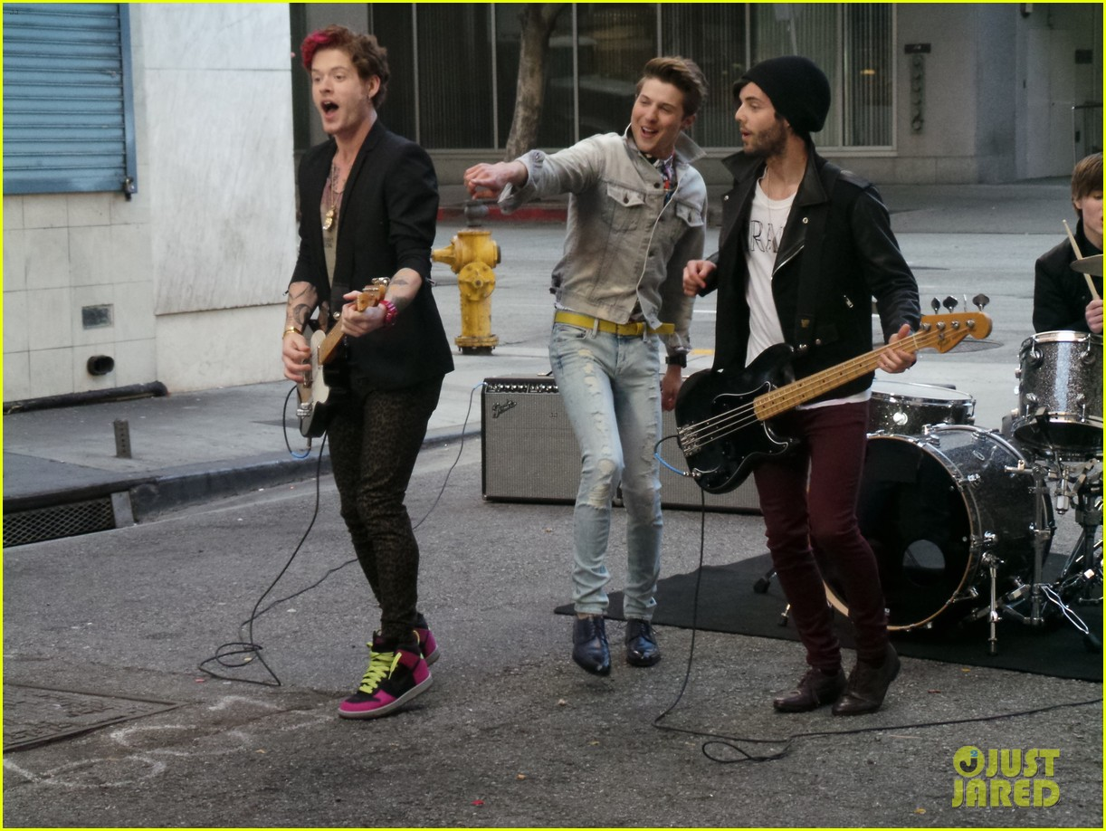 hot chelle rae hung up video exclusive set photos 04