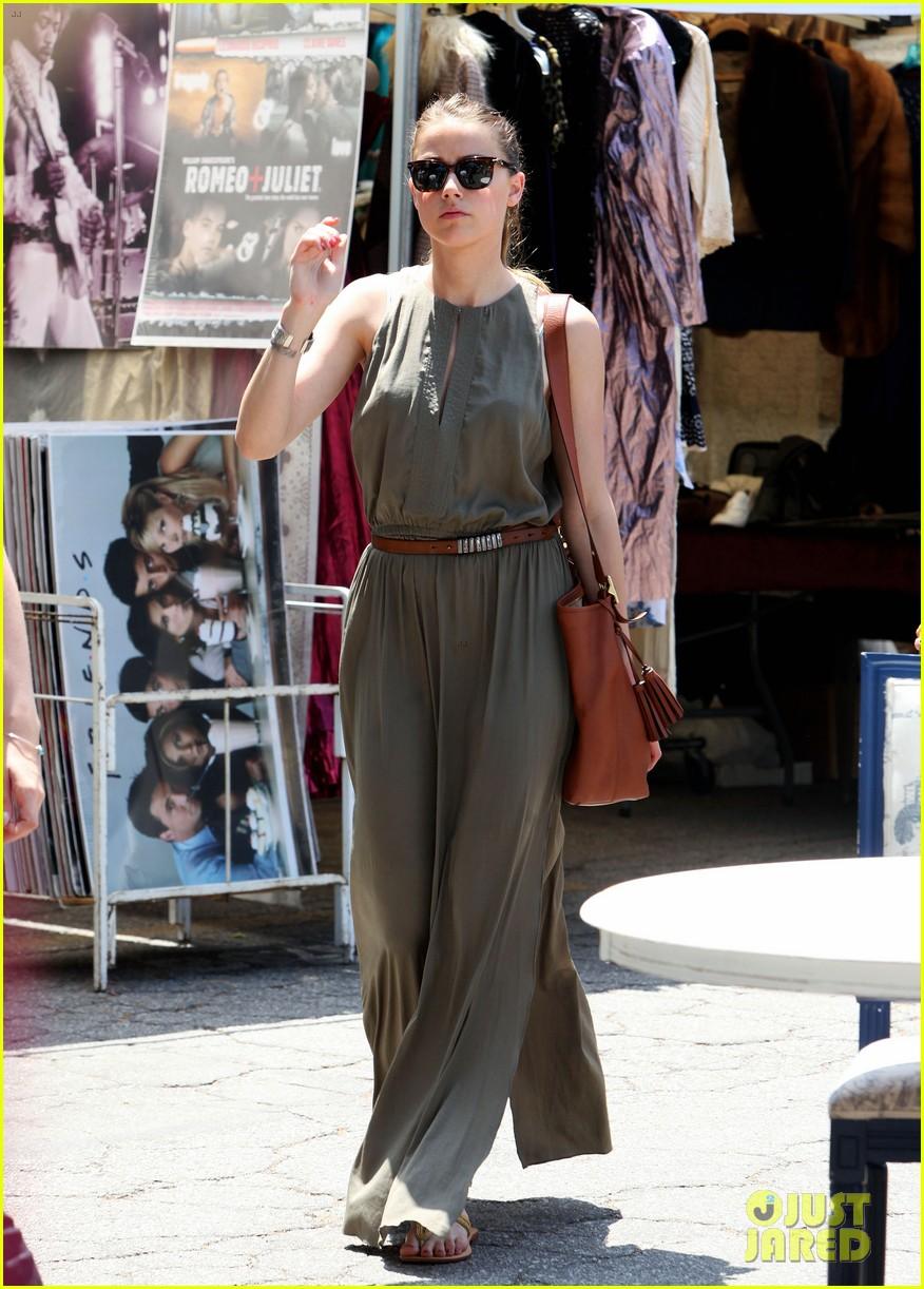 amber heard solo shopping after night with johnny depp 082860407