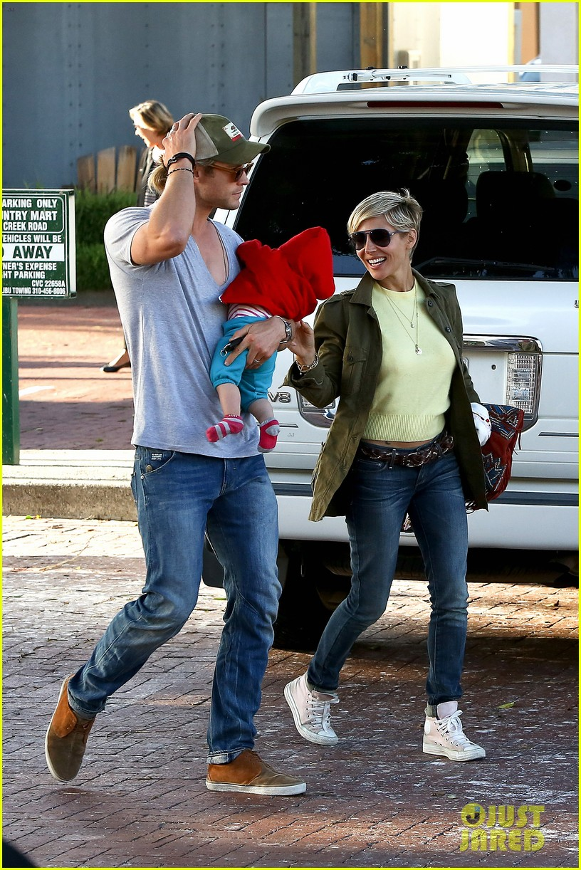 chris hemsworth elsa pataky lunchtime with india 202843671