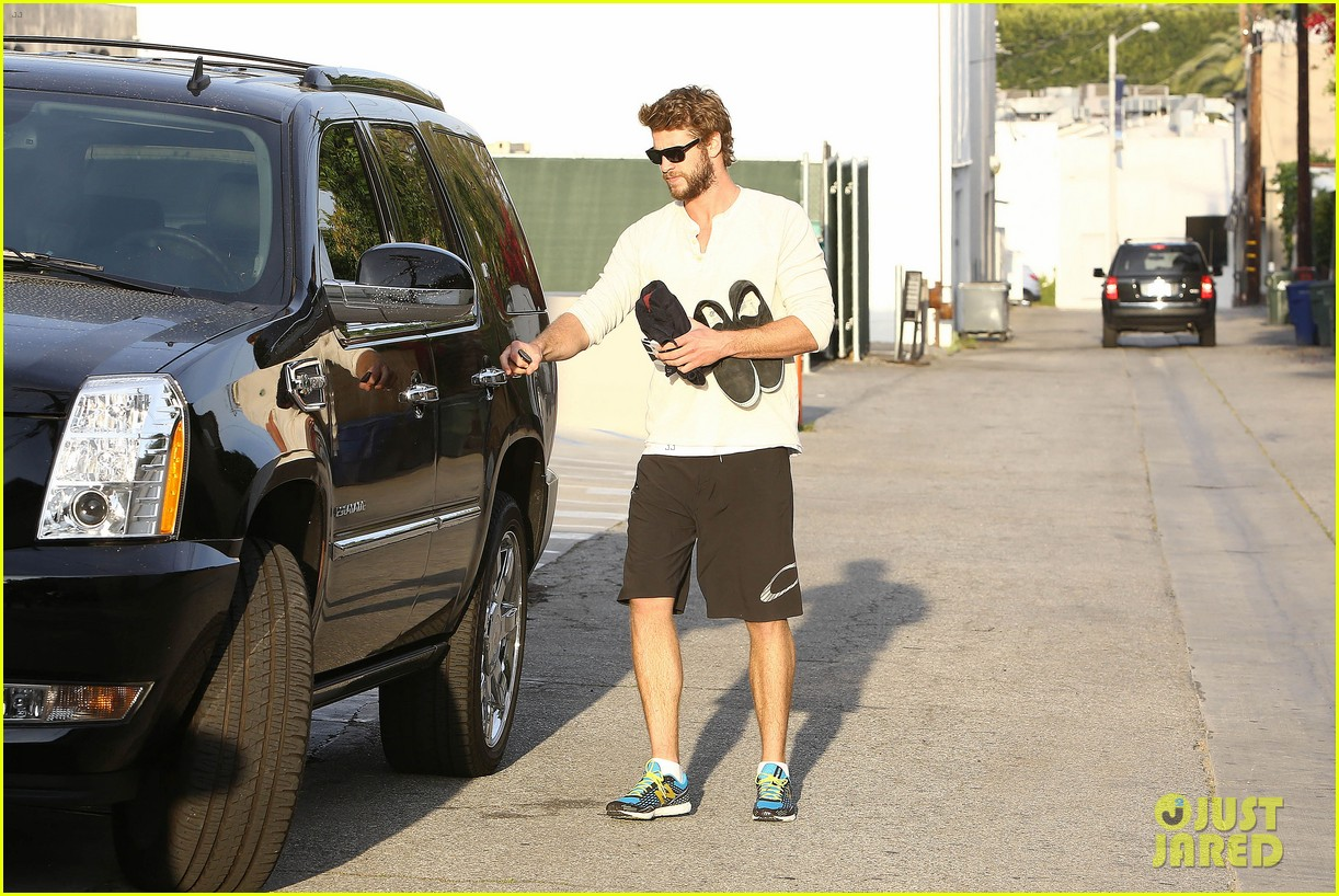 liam hemsworth steps out after the raven casting news 09