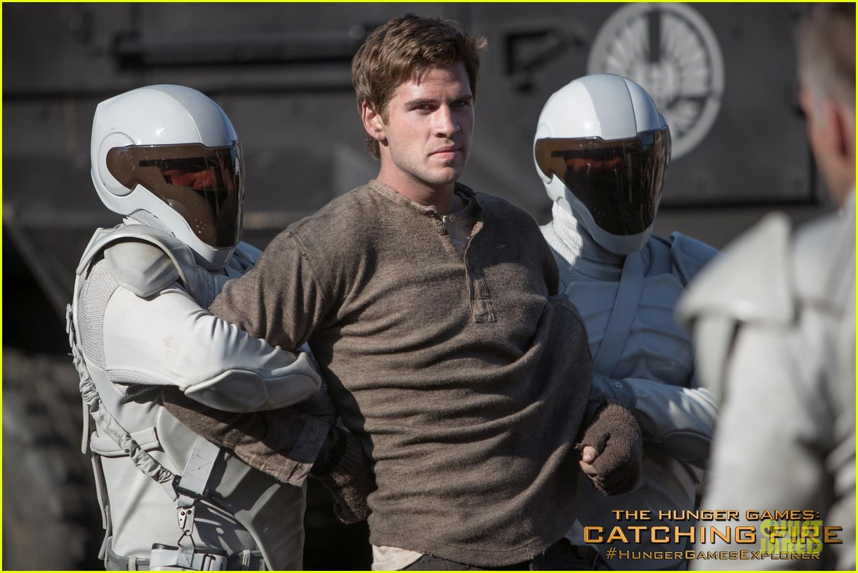 liam hemsworth new catching fire still 05