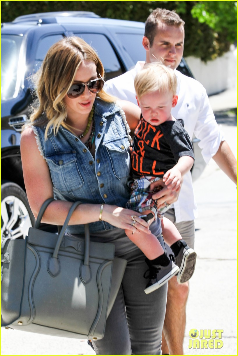 hilary duff birthday parties with baby luca 04