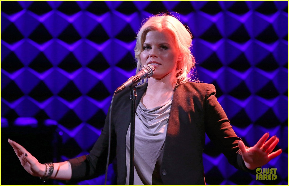 megan hilty joes pub showcase 21