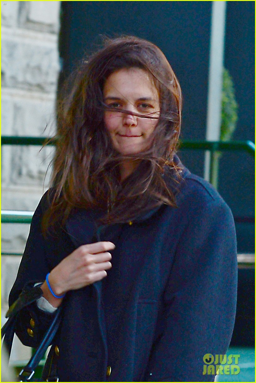 katie holmes steps out after peter cincotti dating rumors 042843021