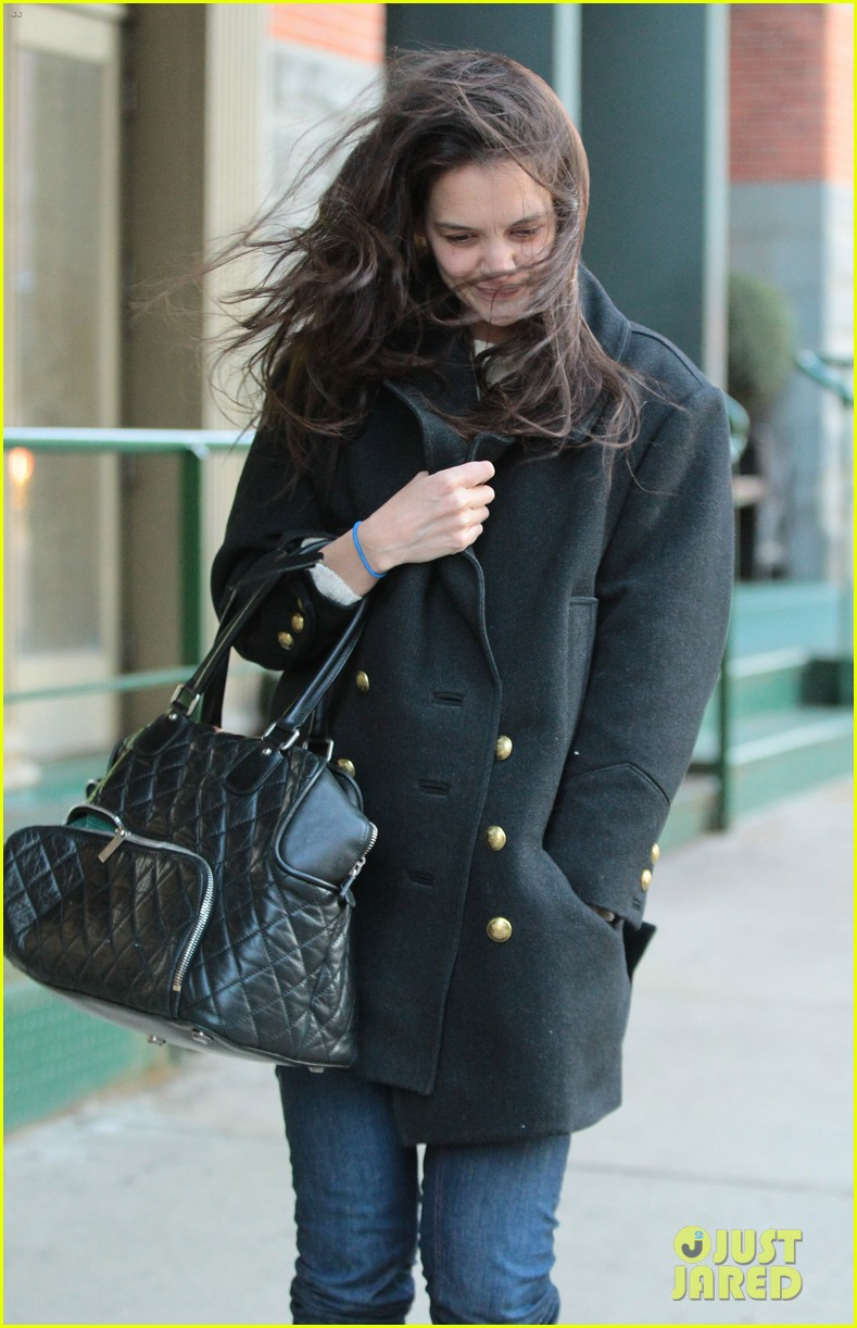 katie holmes steps out after peter cincotti dating rumors 062843023
