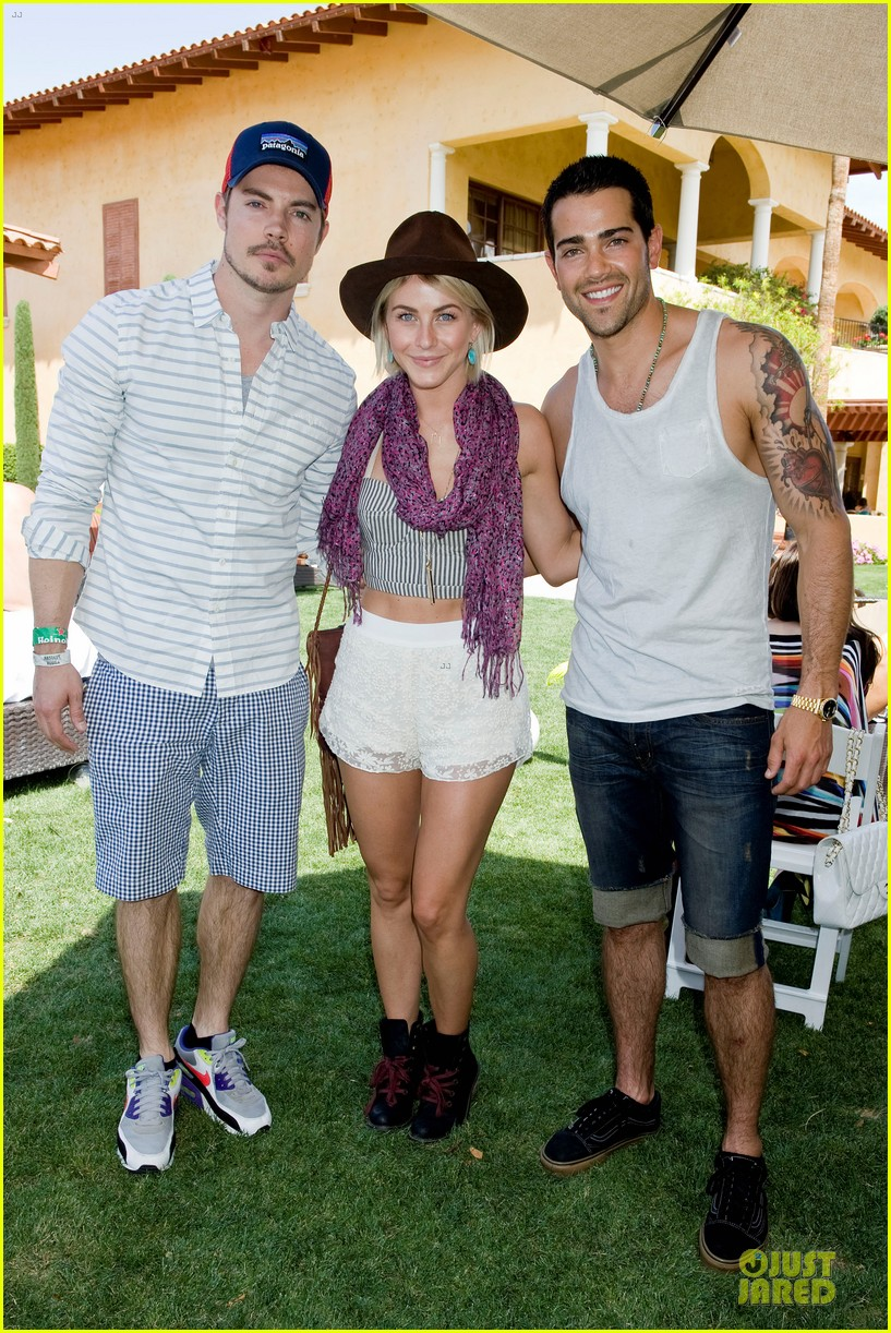 julianne hough just jared armani exchange music festival brunch 03