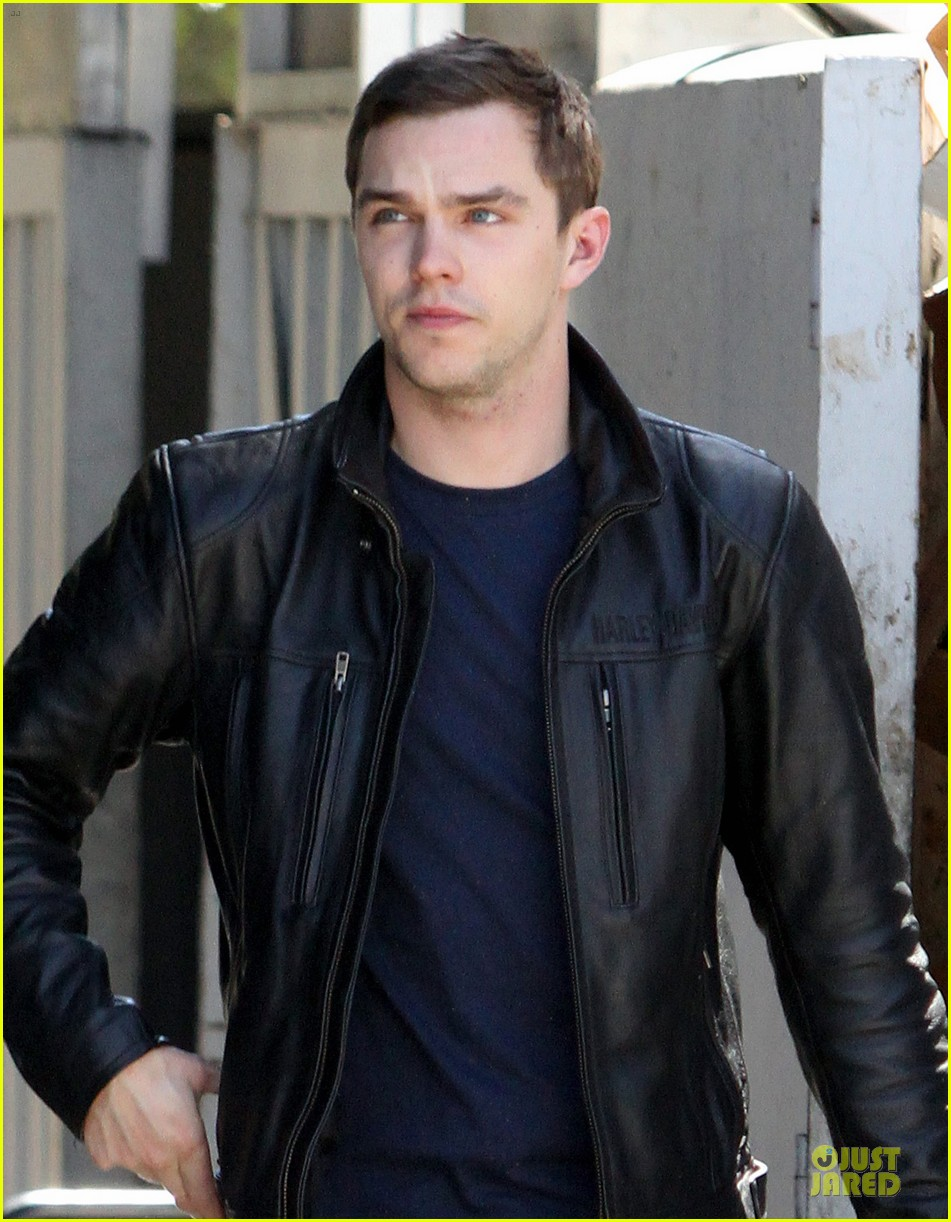 nicholas hoult xmen day of future past beast first look 02