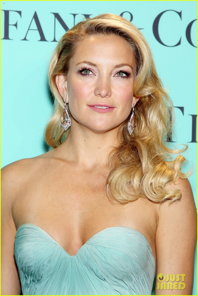 kate hudson carey mulligan tiffany blue book gala 022853087