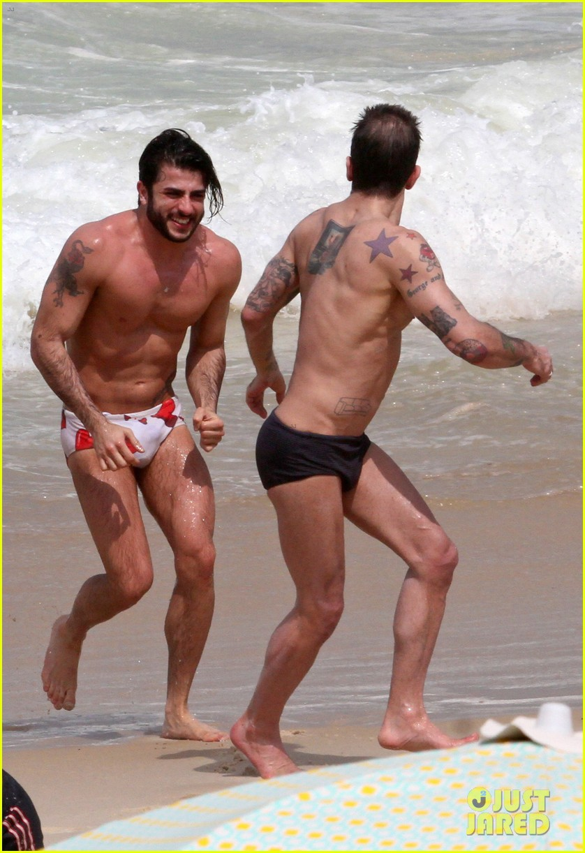 marc jacobs harry louis shirtless speedo pda in rio 20