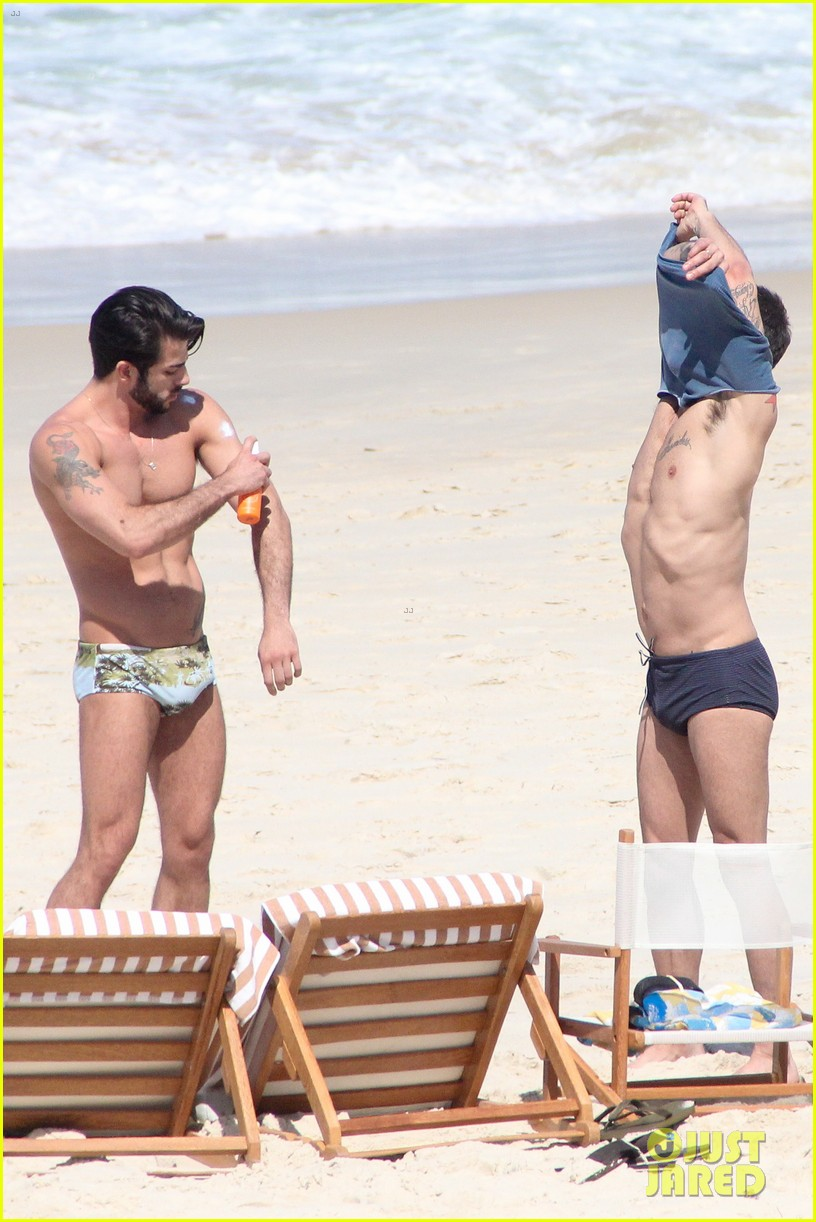 marc jacobs harry louis speedo sexy in rio 28