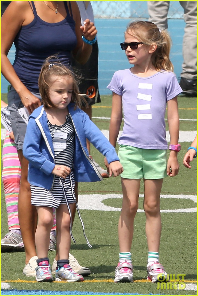 ben affleck jennifer garner track meet with the girls 31