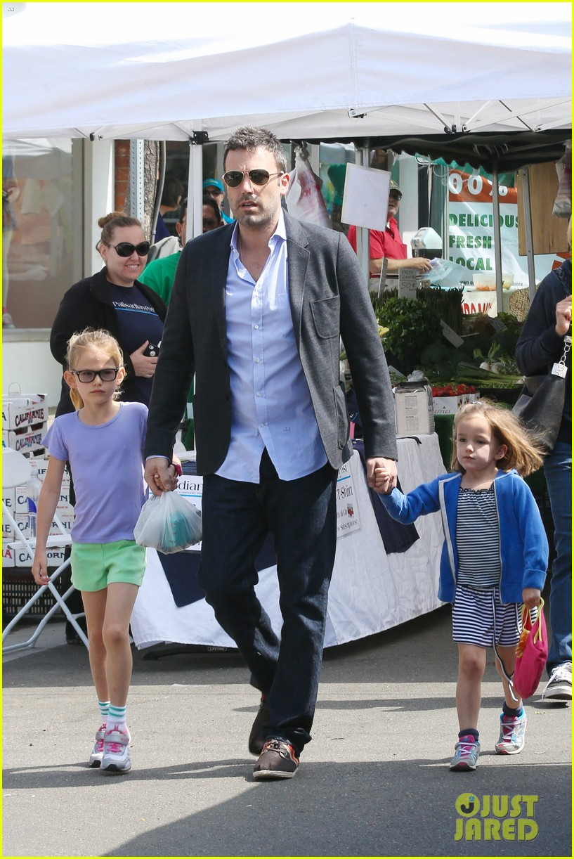 ben affleck jennifer garner track meet with the girls 482860107
