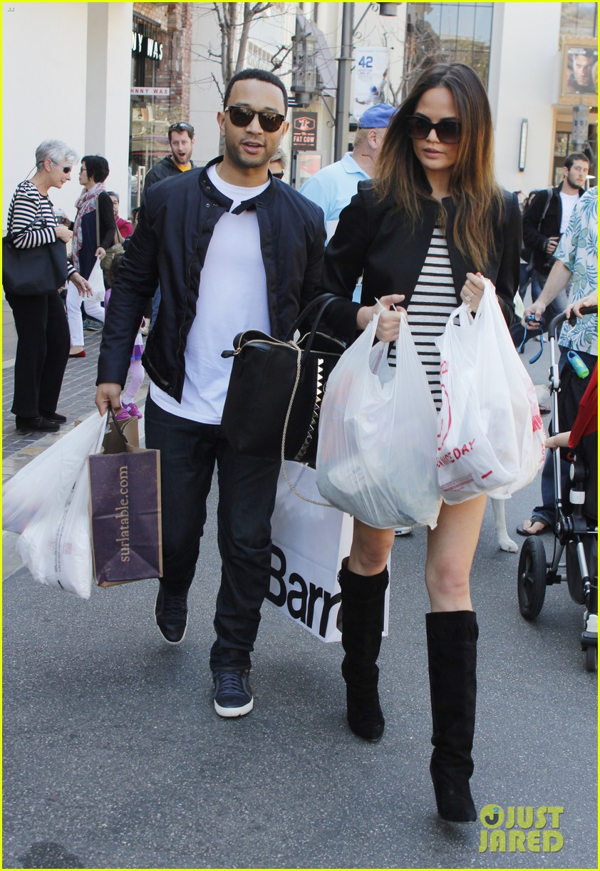 chrissy teigen john legend the grove couple 06