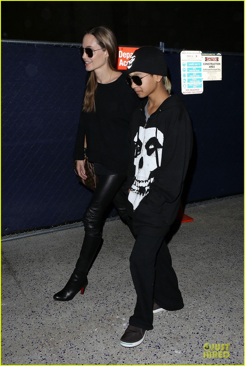 angelina jolie lax arrival with maddox 08