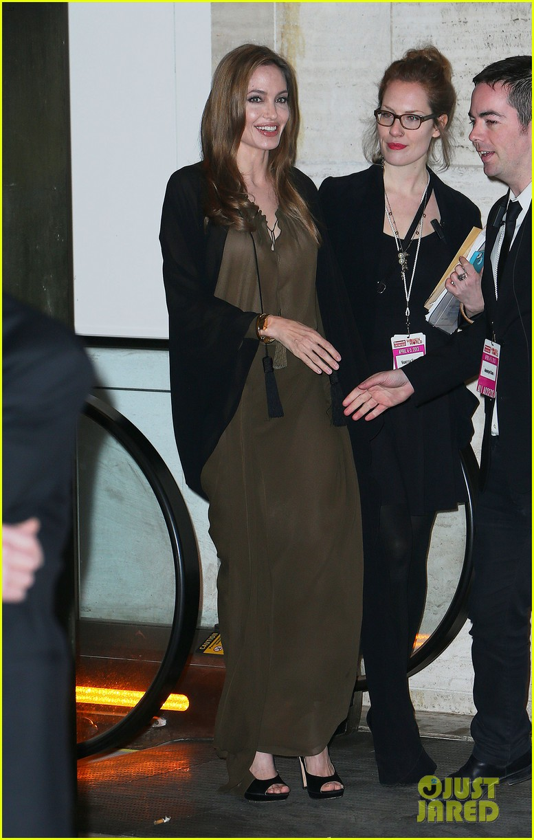 angelina jolie women in the world gala at lincoln center 2013 04