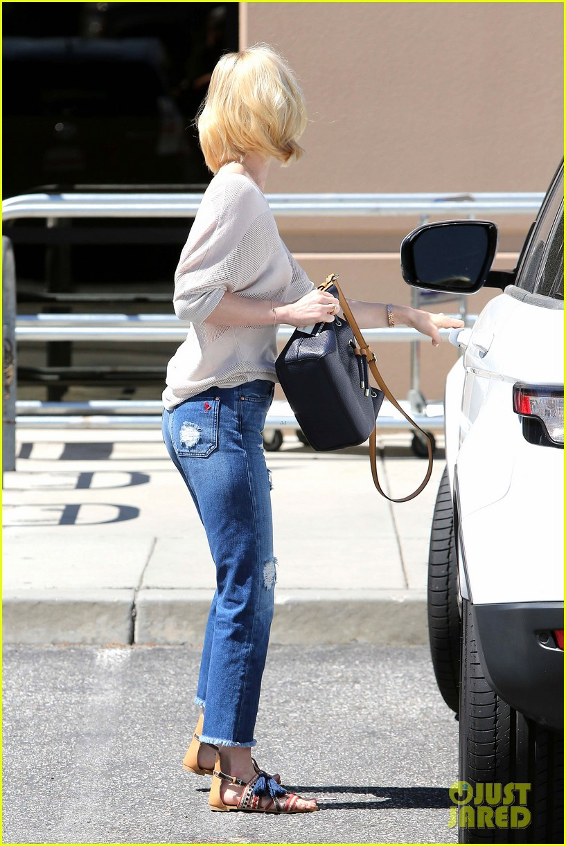january jones friday fedex stop 03