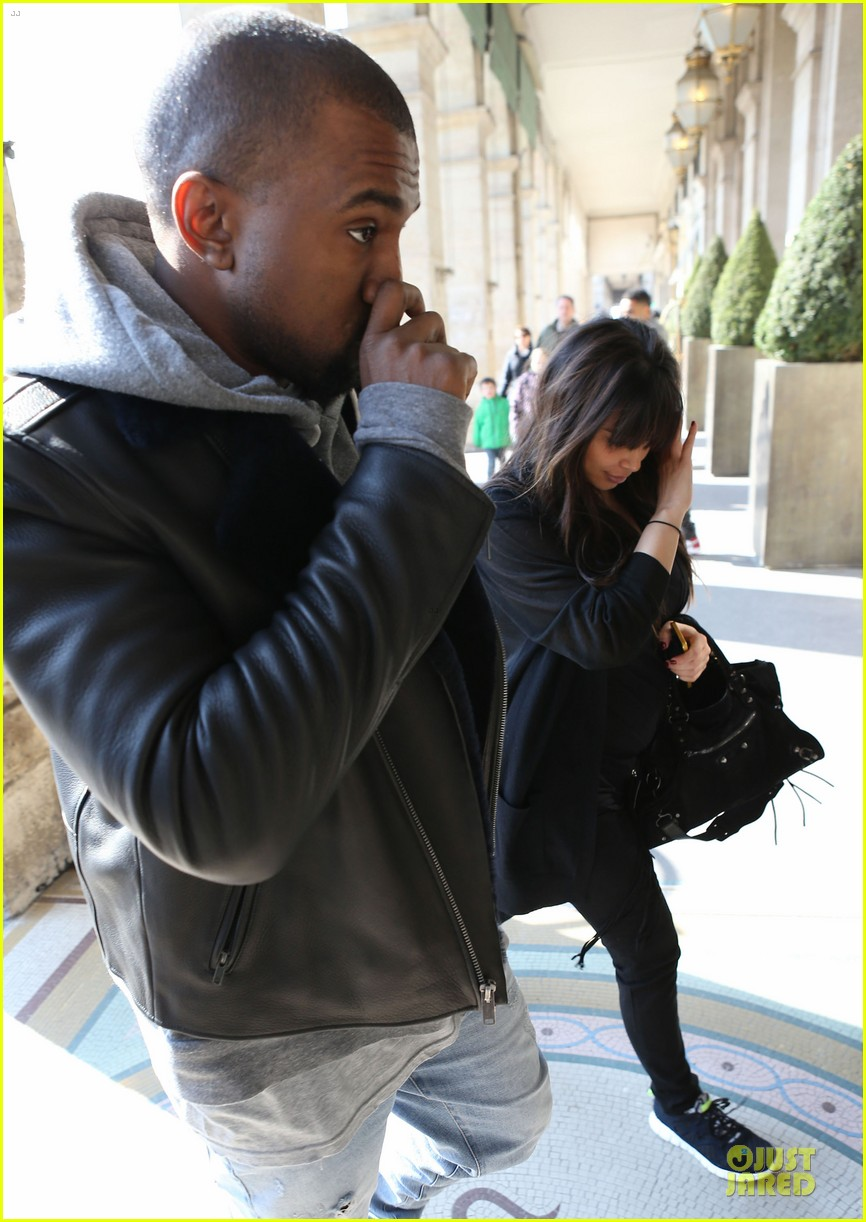 kanye west kim kardashian pregnant paris departure after easter weekend 08
