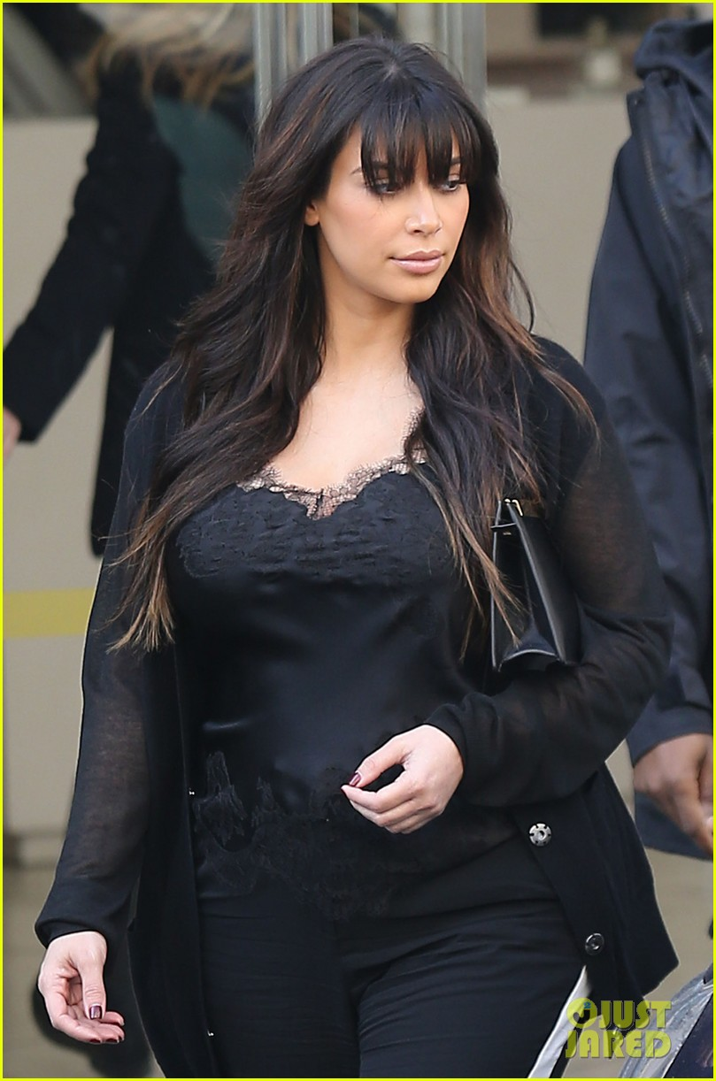 kim kardashian pregnant paris getaway with kanye west 04