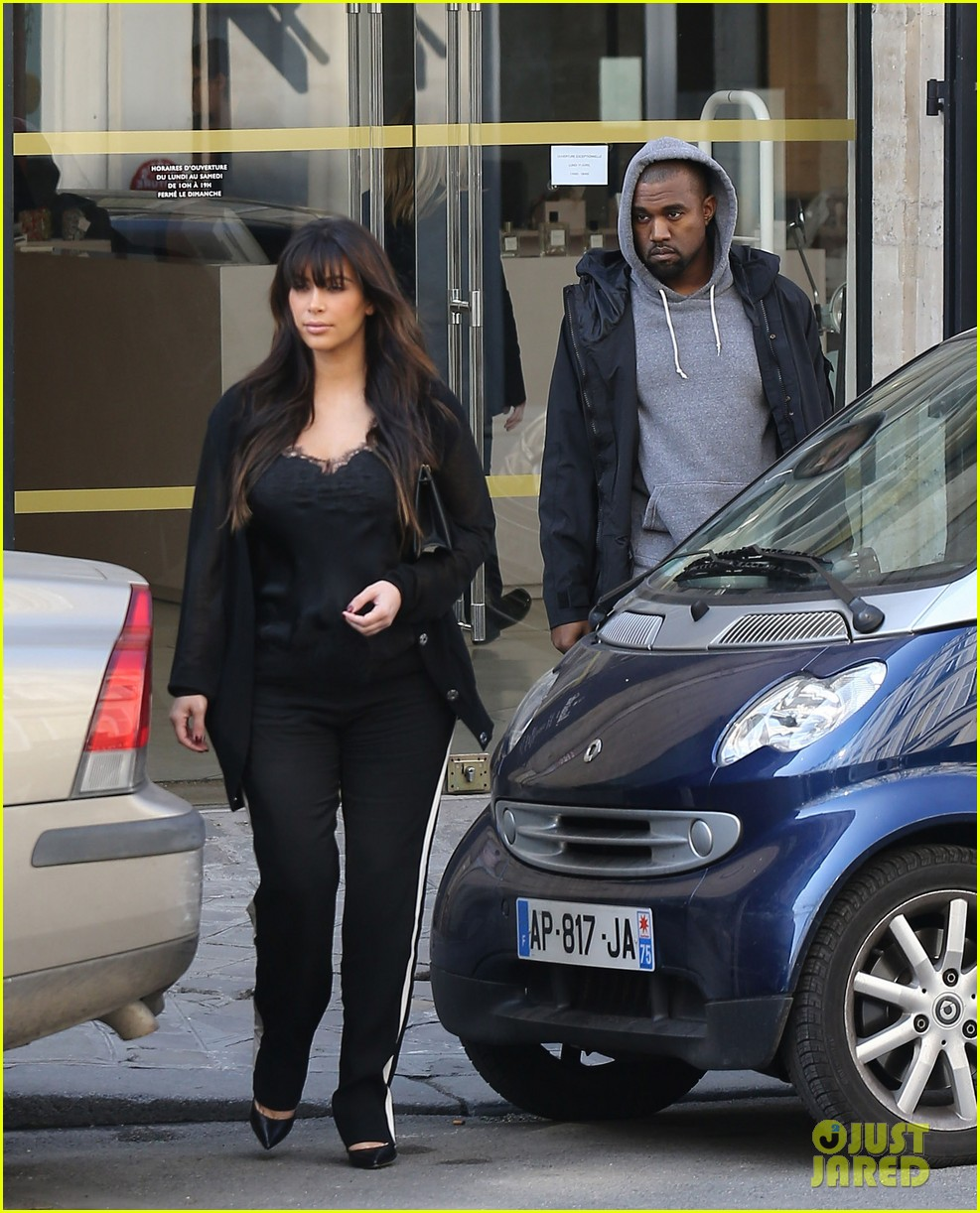 kim kardashian pregnant paris getaway with kanye west 05