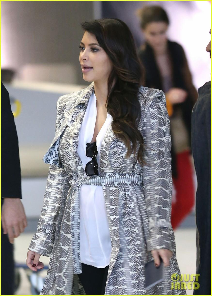 kim kardashian pregnant paris getaway with kanye west 082841968