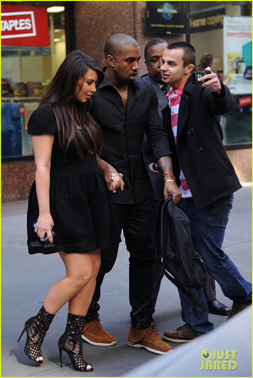 kim kardashian kanye west rushed by fan wanting photo 05