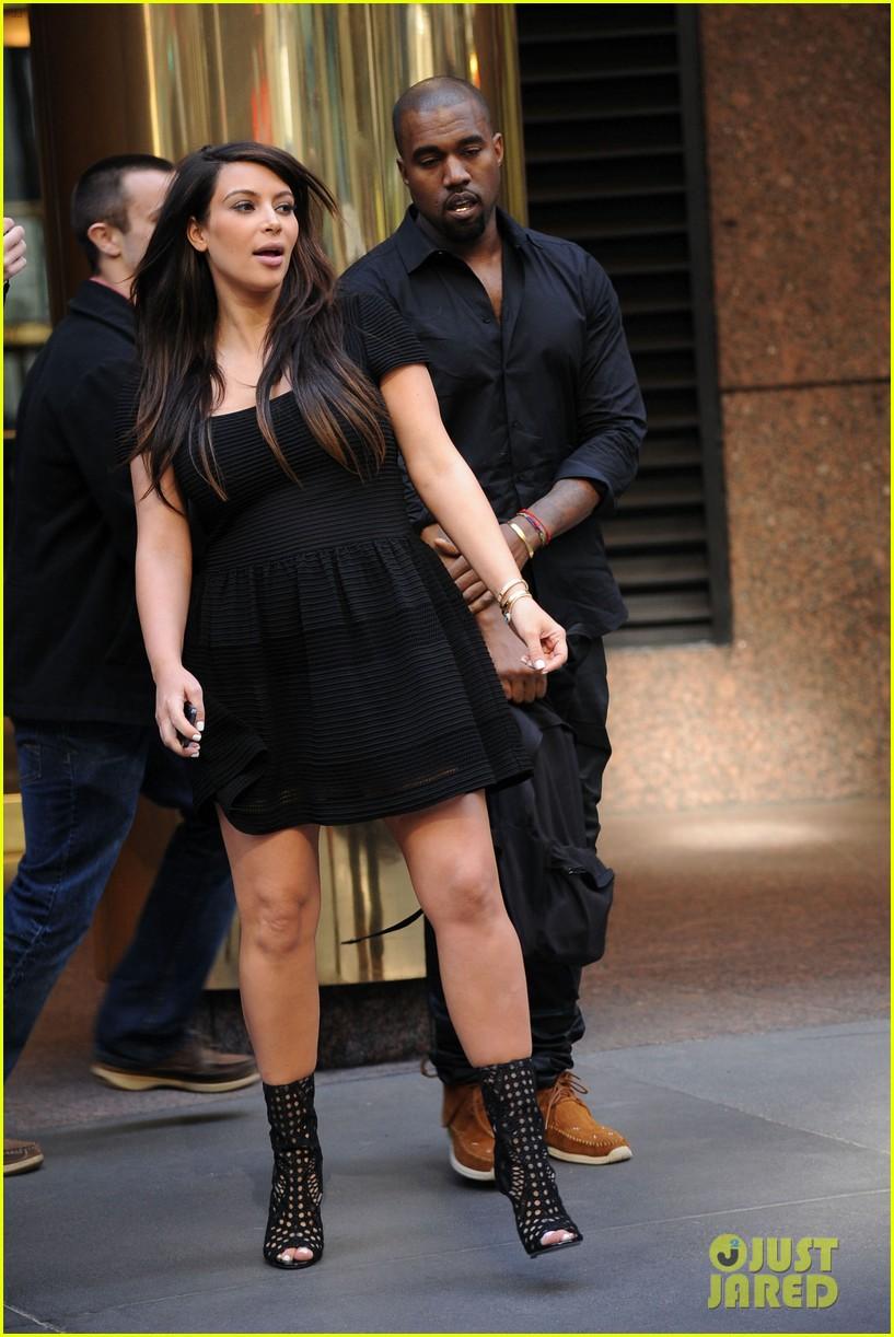 kim kardashian kanye west rushed by fan wanting photo 14