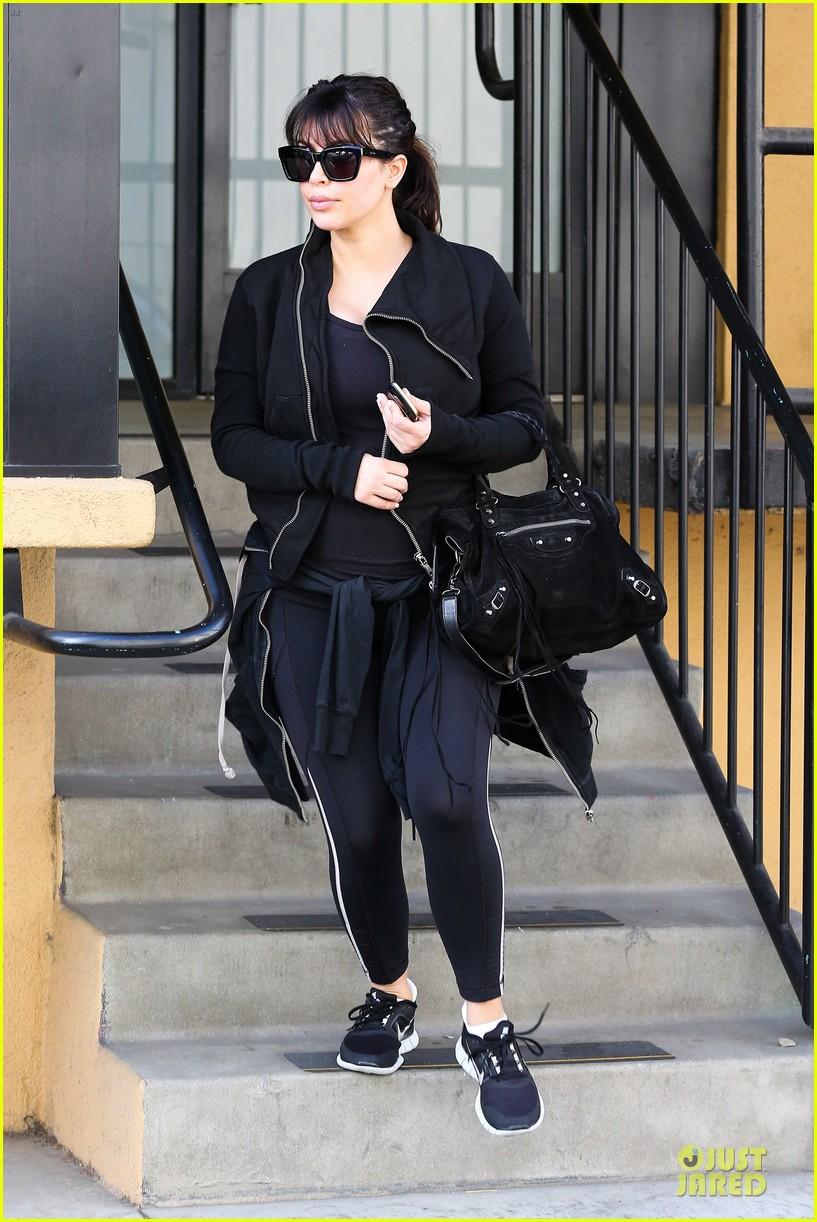 kim kardashian pregnant brentwood workout 092843852