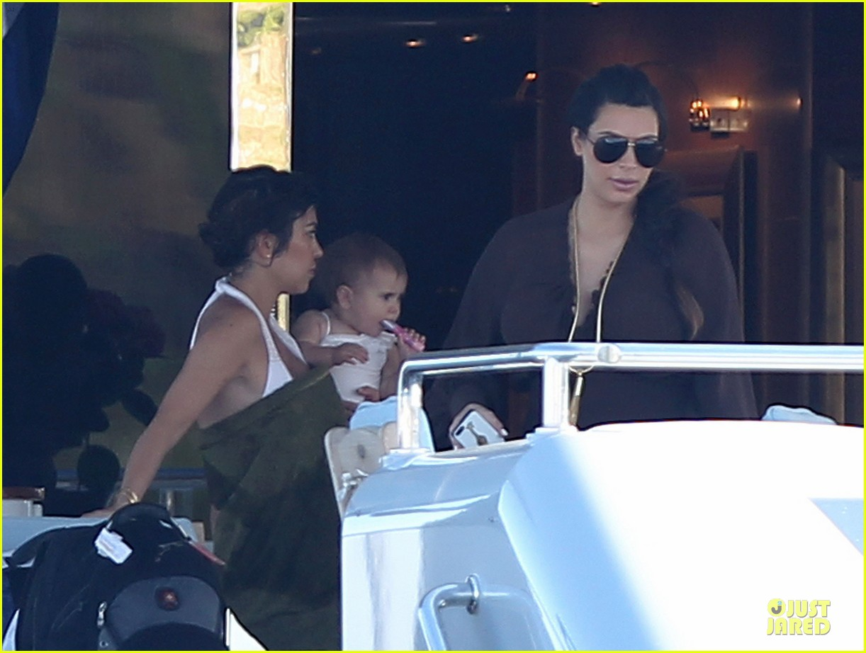 pregnant kim kardashian greece yacht with family 452859319