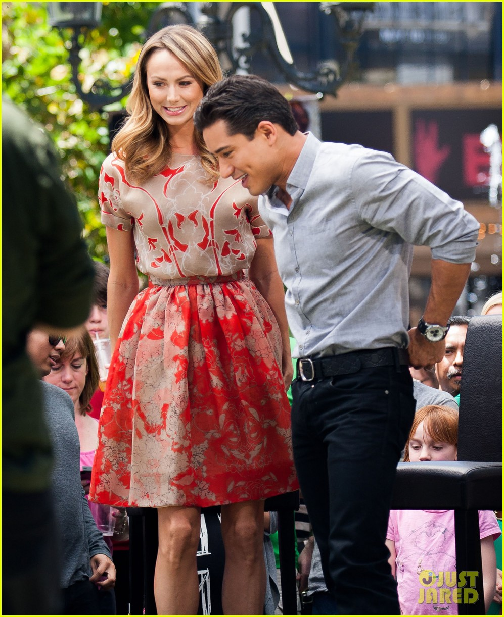stacy keibler extra appearance with mario lopez 112852349