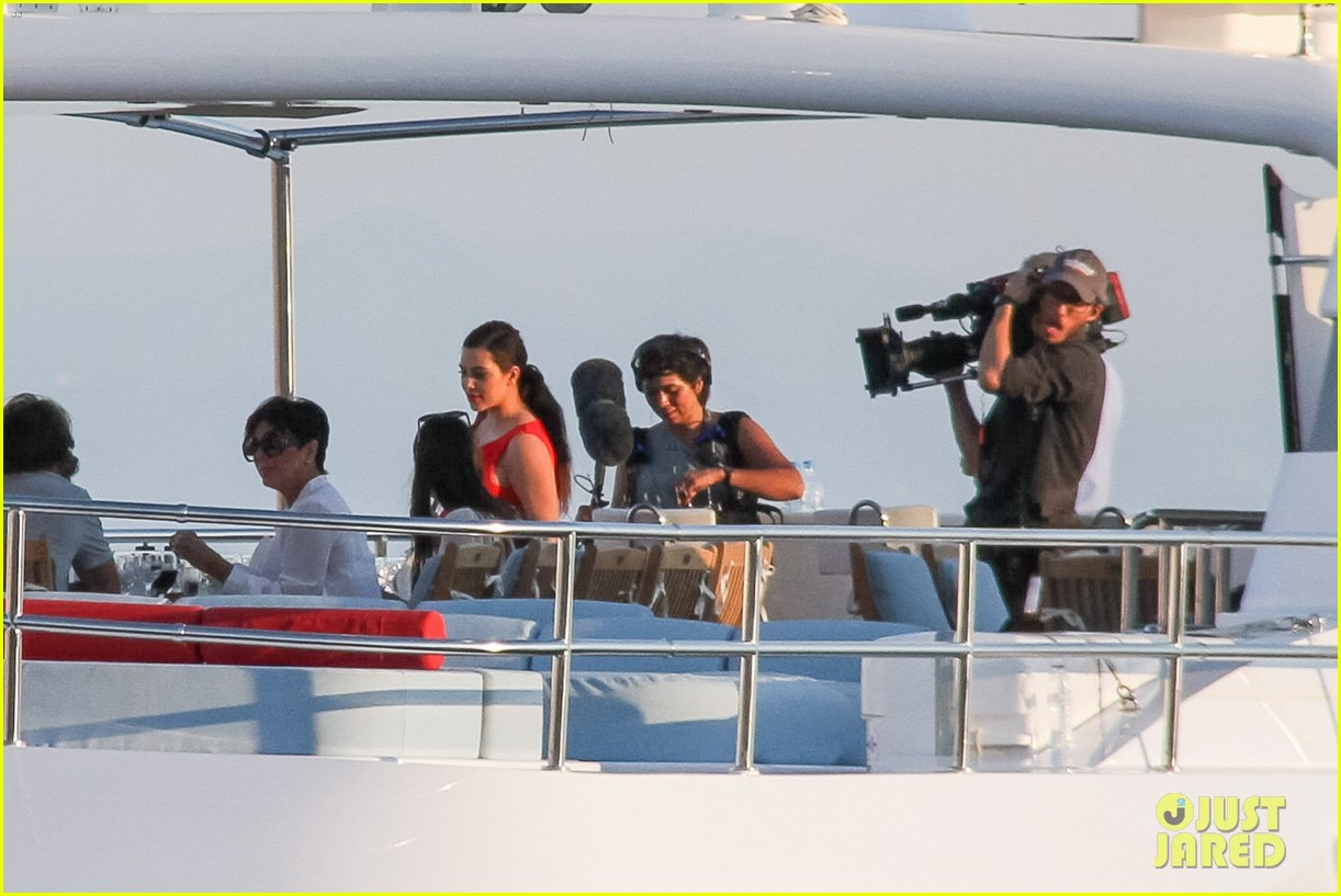 pregnant kim kardashian family boat ride in greece 322860217