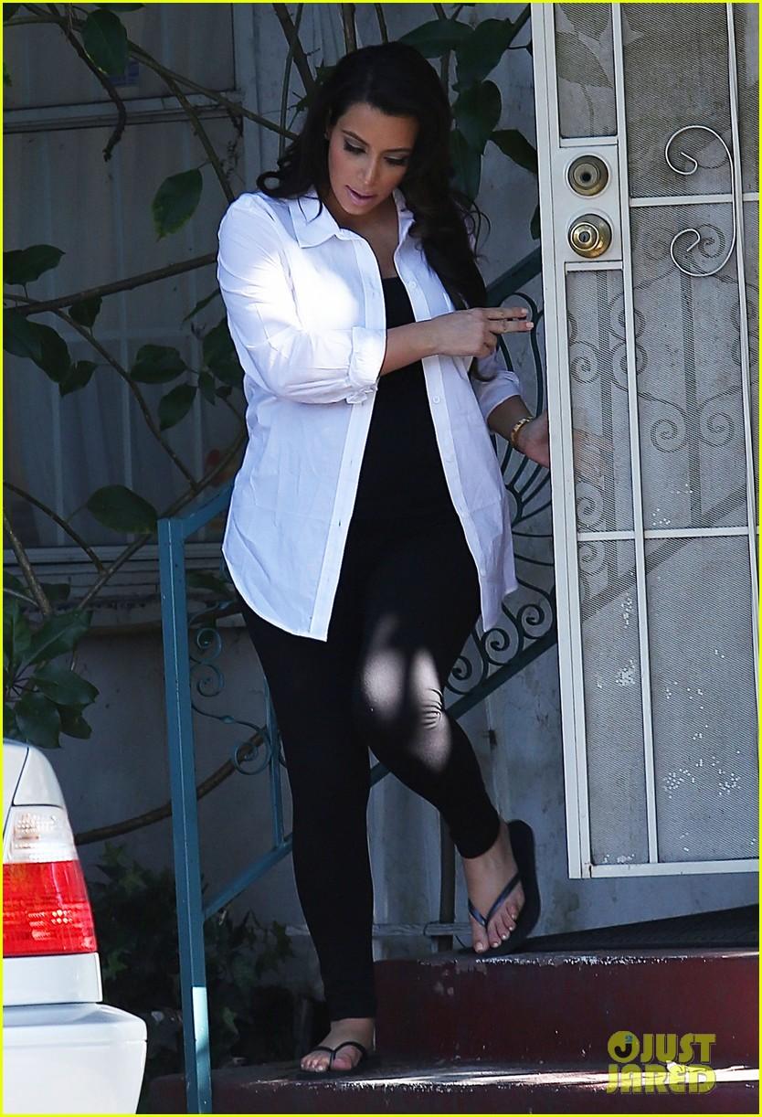 kim kardashian post divorce settlement manicure 032853882