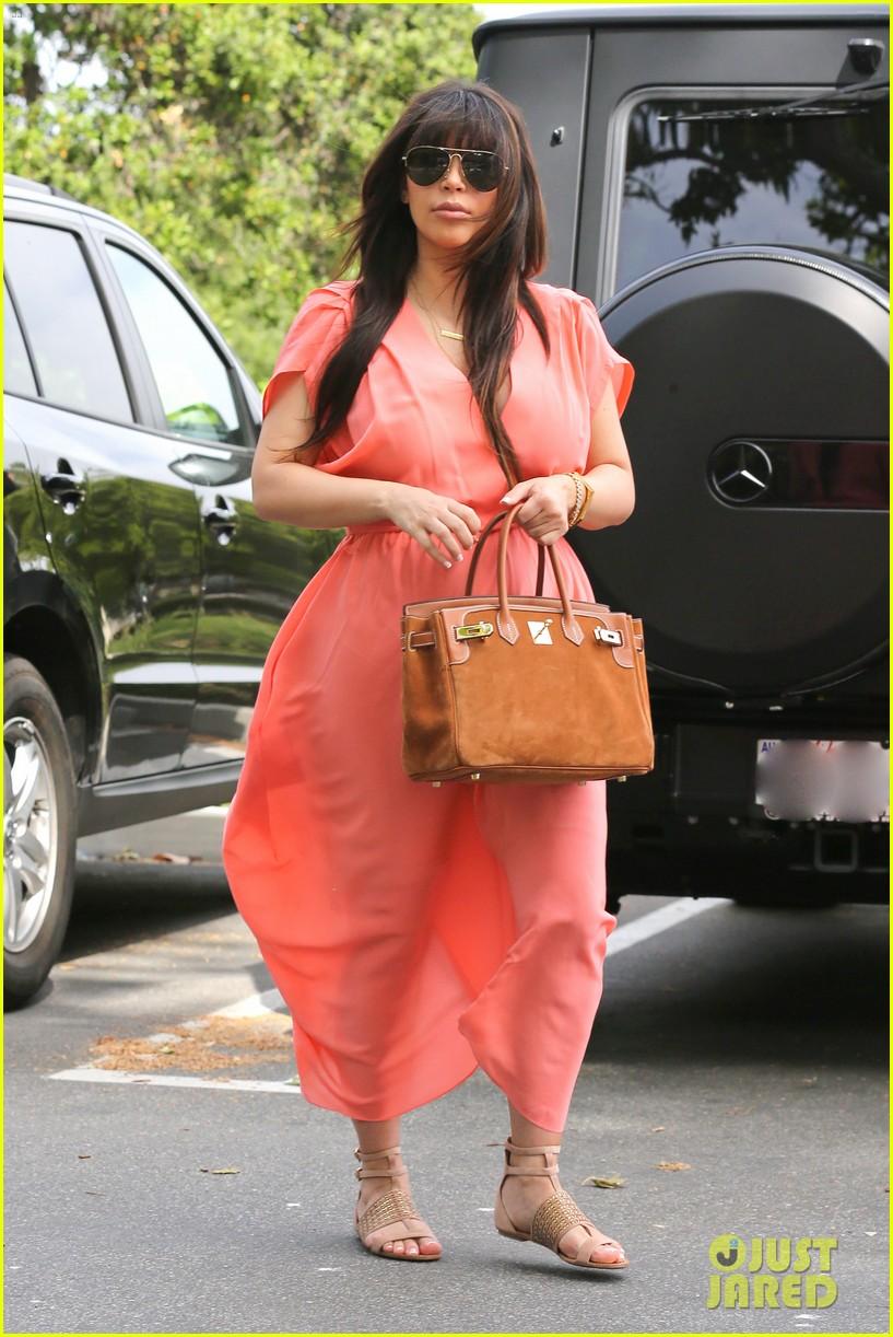 pregnant kim kardashian sunday family church service 162844939