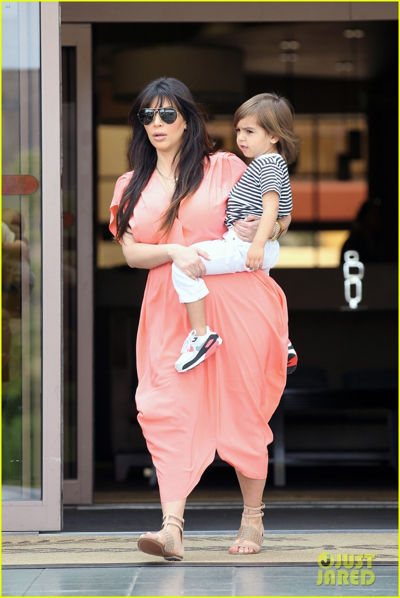pregnant kim kardashian sunday family church service 332844956
