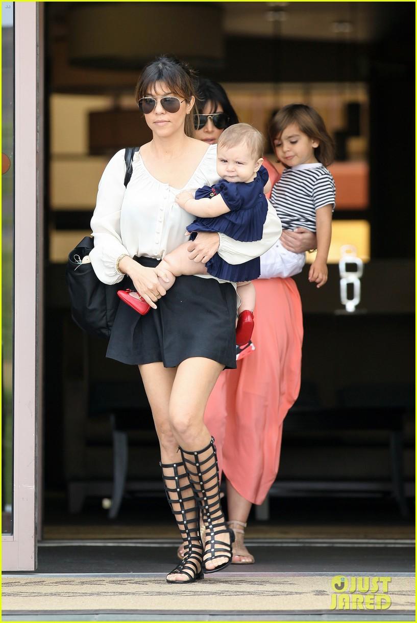 pregnant kim kardashian sunday family church service 362844959