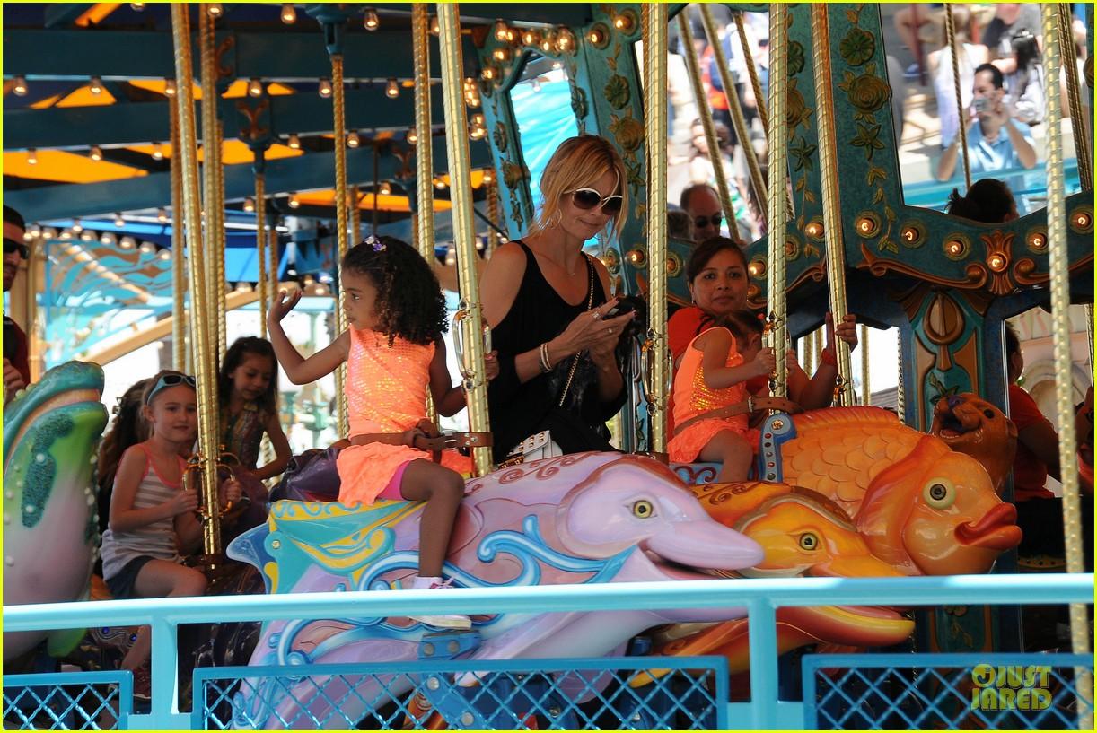 heidi klum martin kirsten disneyland fun with the kids 12