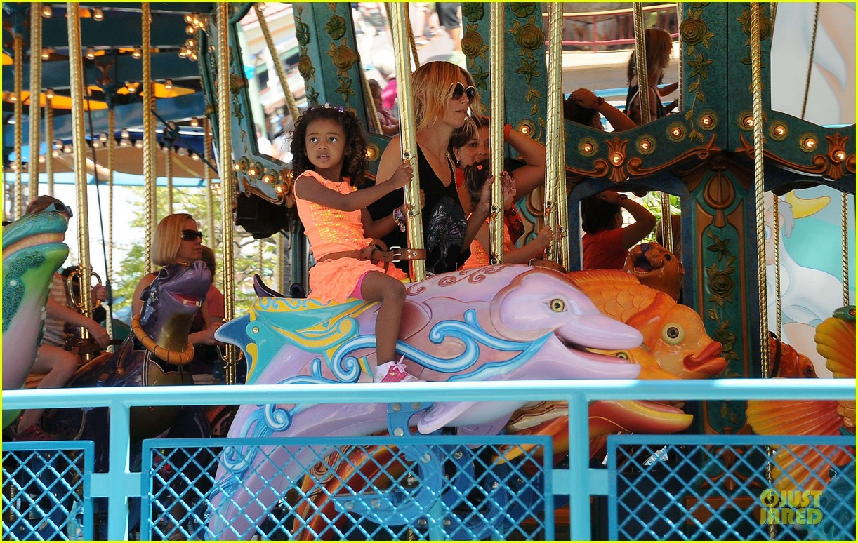 heidi klum martin kirsten disneyland fun with the kids 13