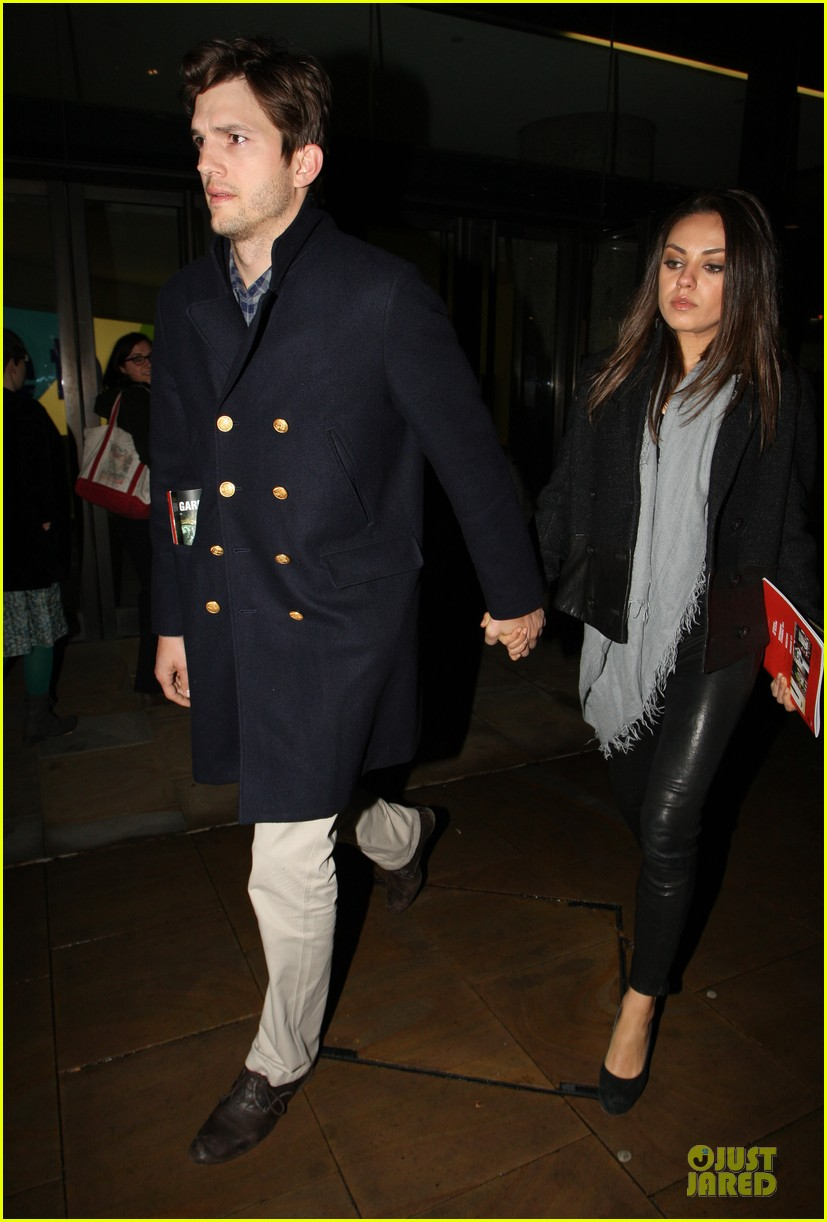 milia kunis ashton kutcher holding hands in london 03