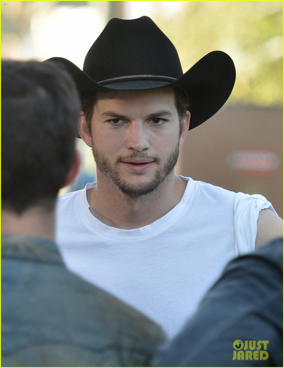 ashton kutcher involved in violent fight at stagecoach festival 15