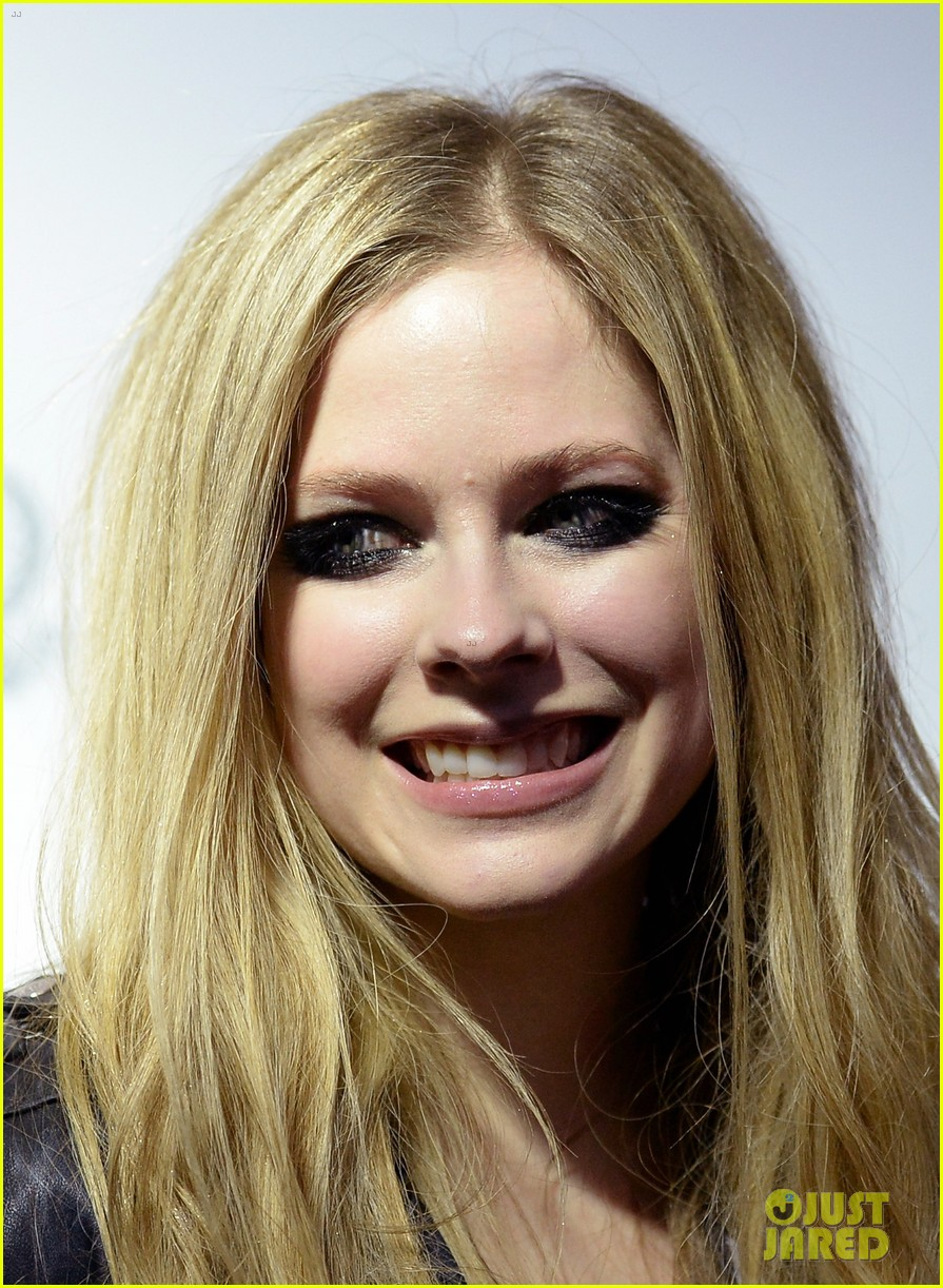 avril lavigne viper room surprise performance 14