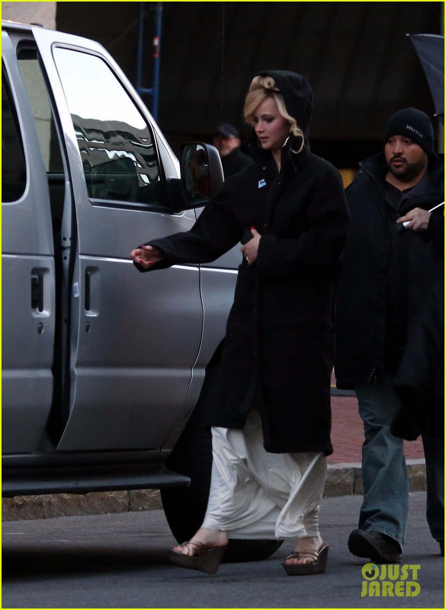 jennifer lawrence bradley cooper abscam night shoot 112842896
