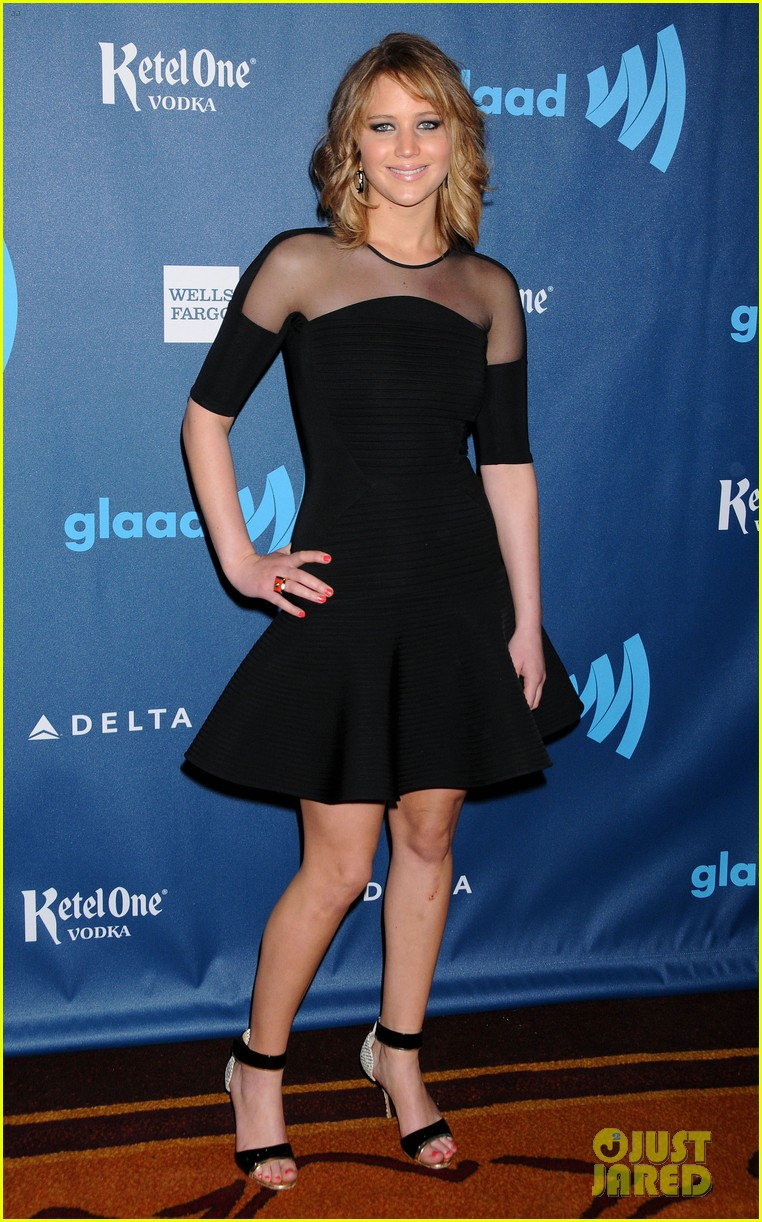 jennifer lawrence new short hair at glaad media awards 2013 082854449