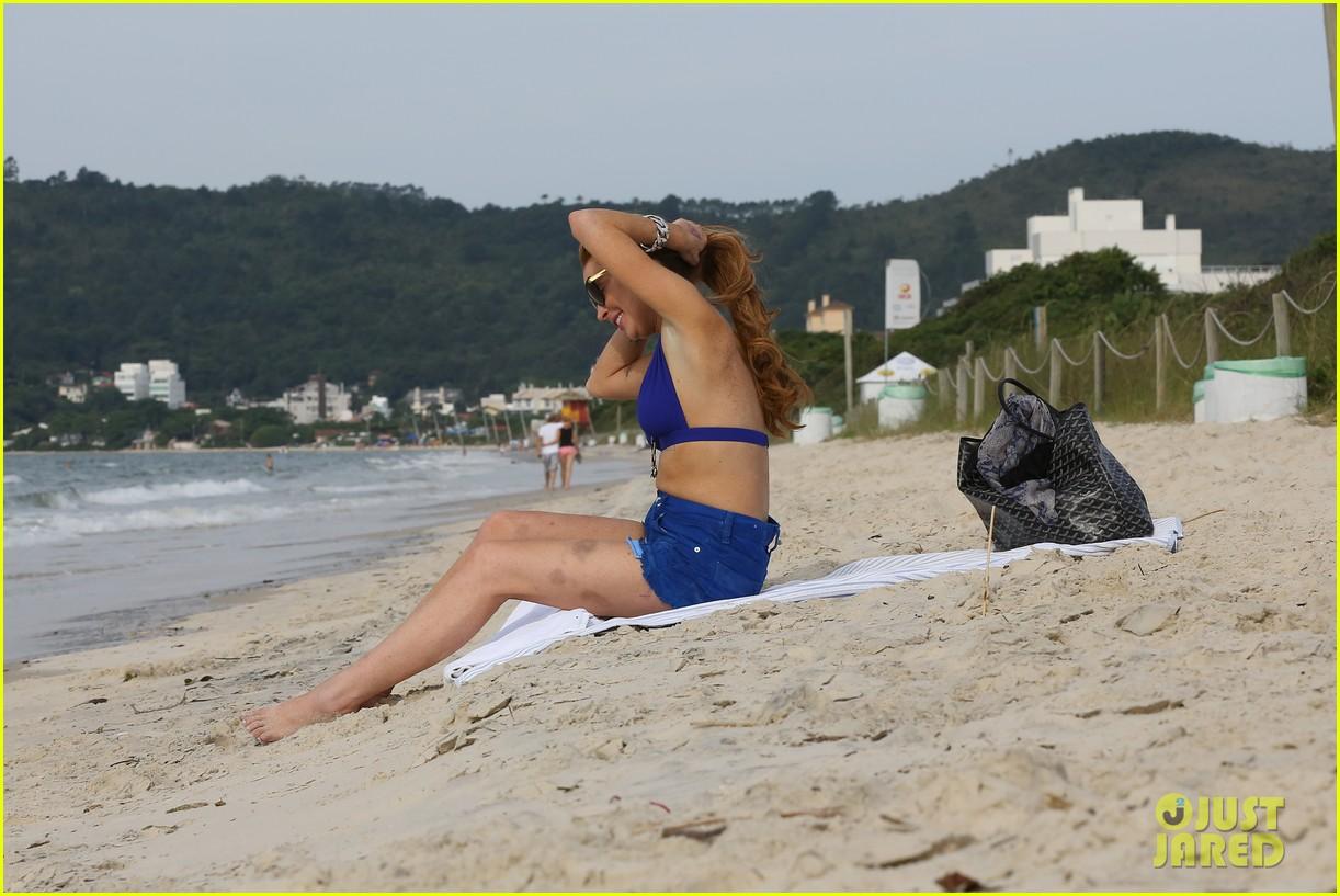 lindsay lohan bikini beach babe in brazil 25