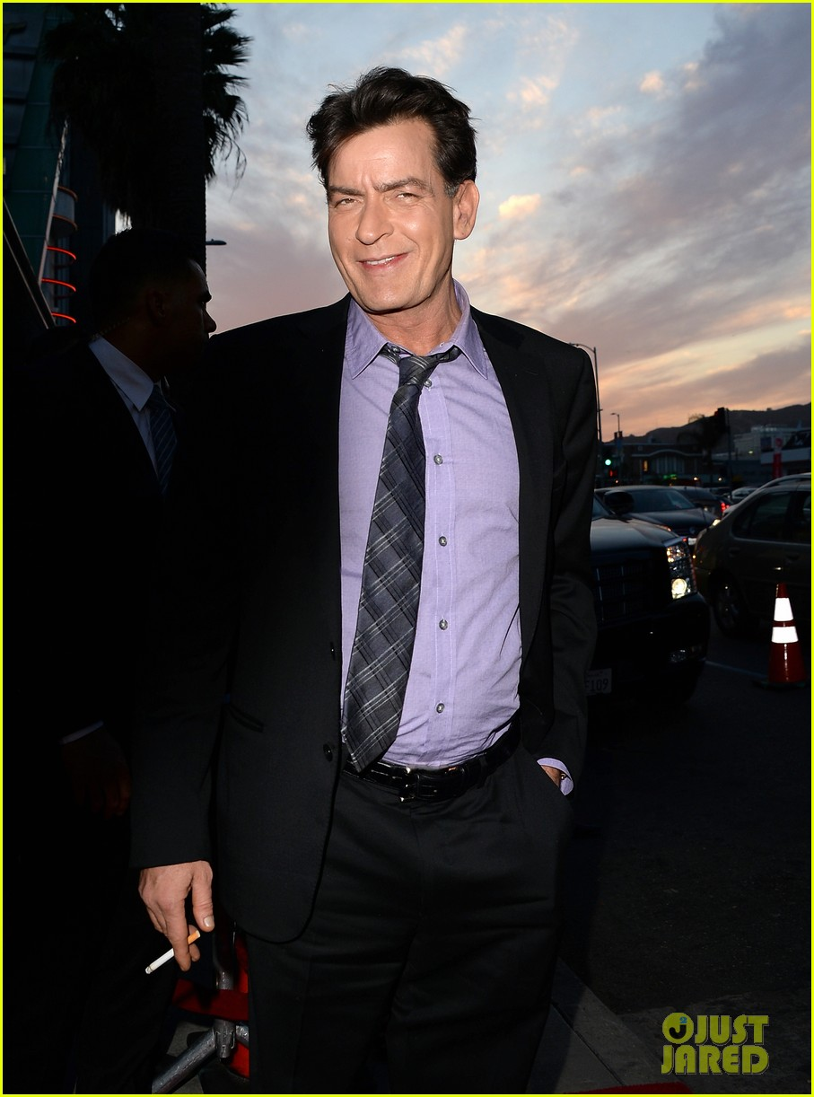 lindsay lohan scary movie 5 premiere with charlie sheen 08